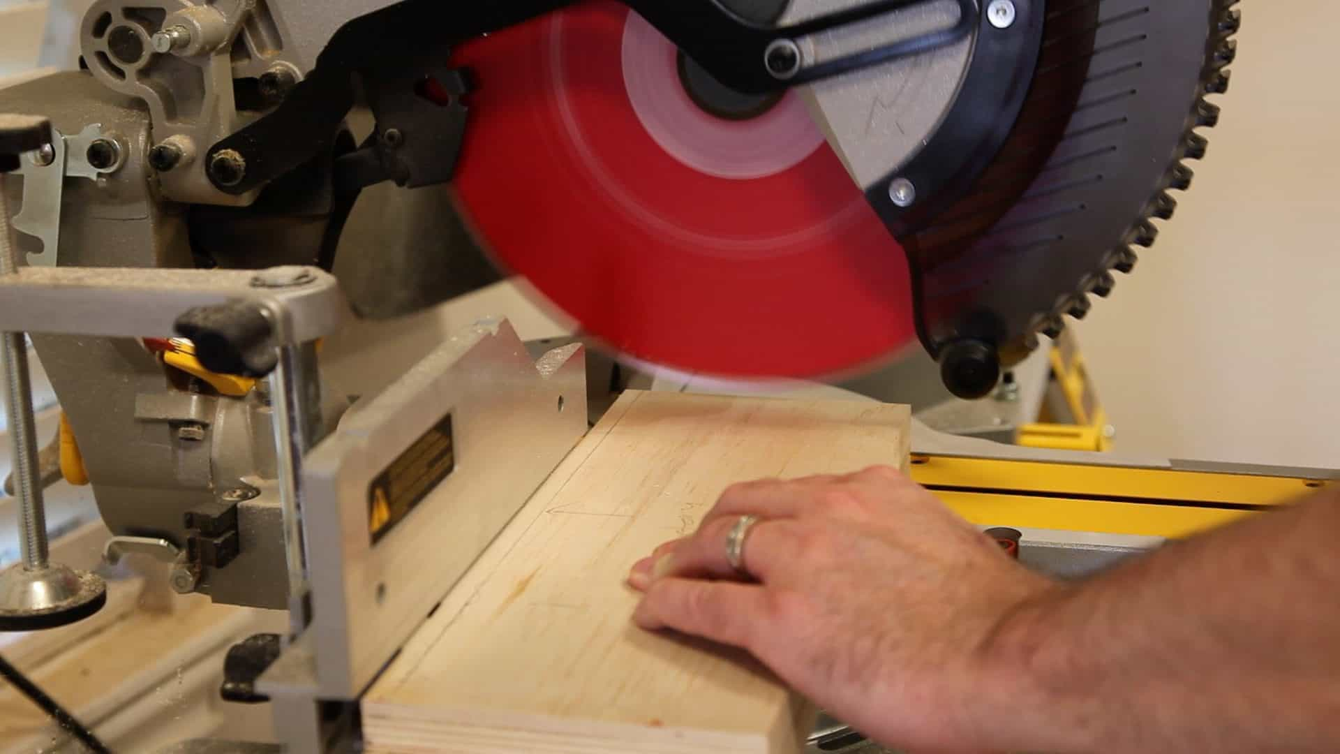 Reviews Greatest 12-Inch Miter Saws Available On The Market